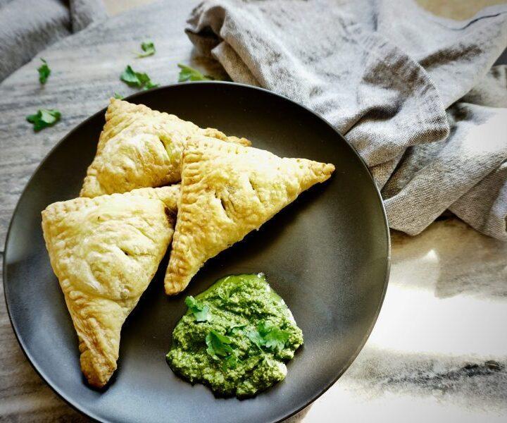 Vegetable Samosa Puffs with cilantro chutney